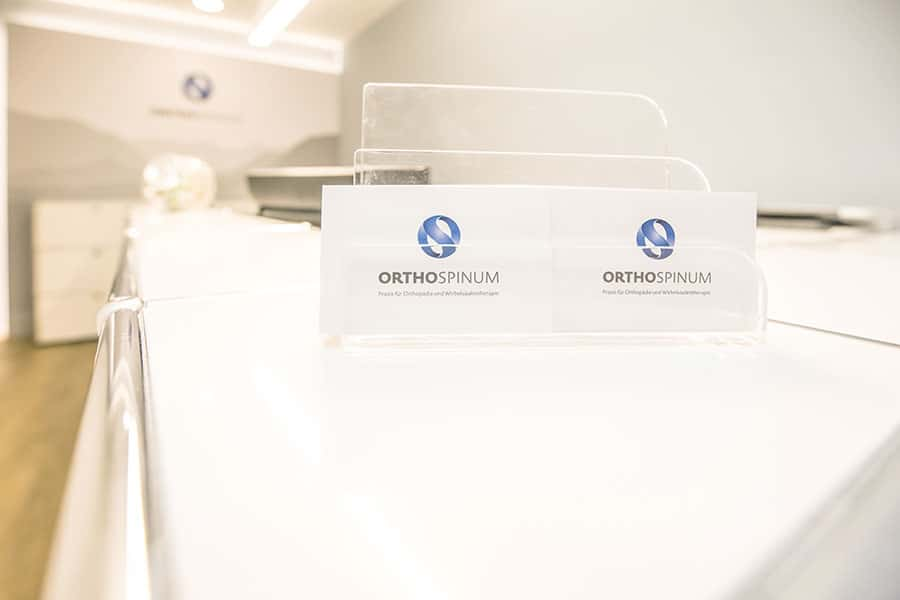 Kontaktaufnahme mit dem Orthospinum in München.